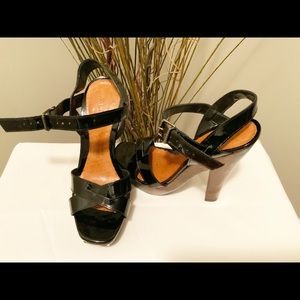 Aldo Wood Platform patent leather Shoe